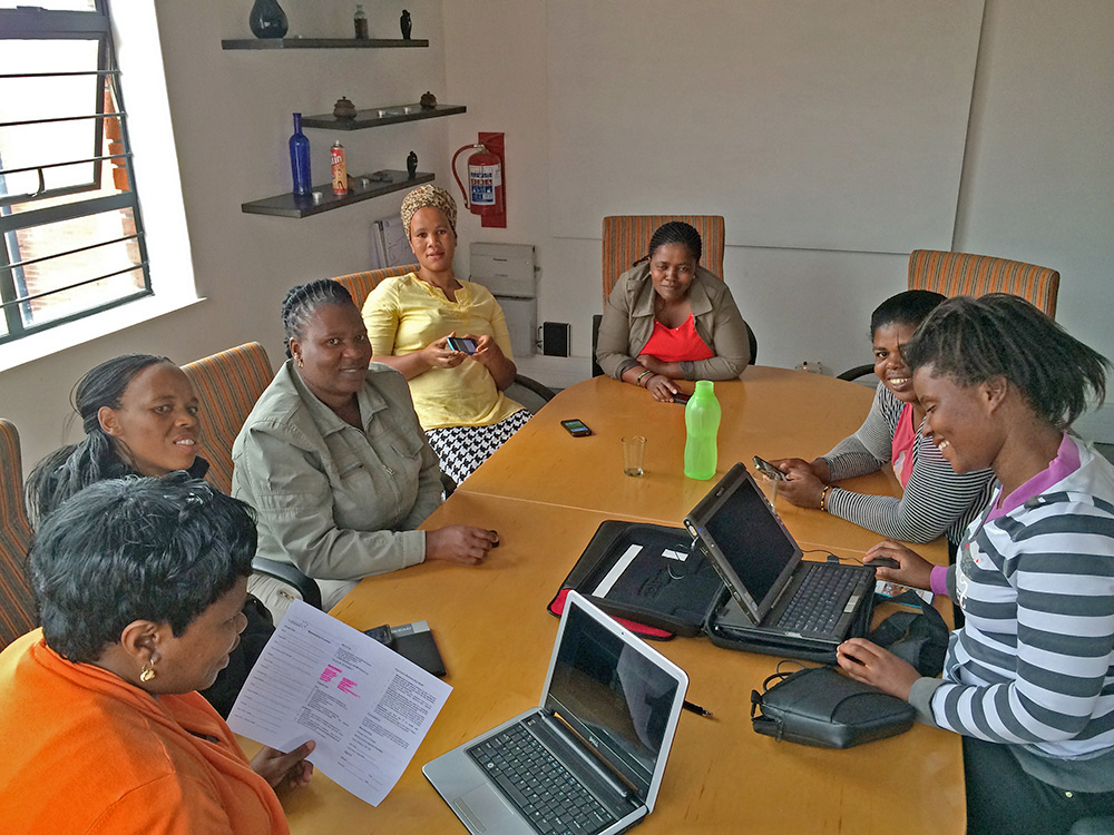 The women get familiar with Hubspace Khayelitsha. Hubspace provides a co-working environment for entrepreneurs in townships. They host a variety of workshops and events for their members.